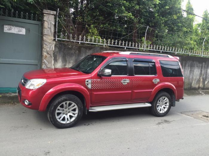 Cần bán xe Ford Everest 2014 tự động dầu màu đỏ 3