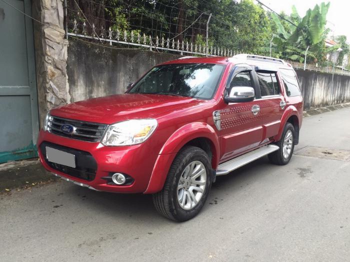 Cần bán xe Ford Everest 2014 tự động dầu màu đỏ 6