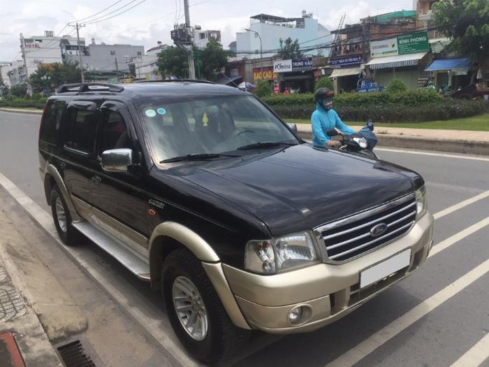 Cần tiền bán Ford Everest sx 2007, màu đen than, số sàn, máy dầu 0
