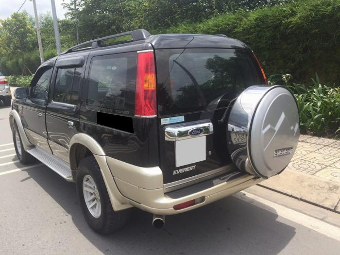 Cần tiền bán Ford Everest sx 2007, màu đen than, số sàn, máy dầu 1