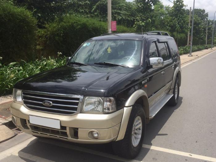 Cần tiền bán Ford Everest sx 2007, màu đen than, số sàn, máy dầu 3