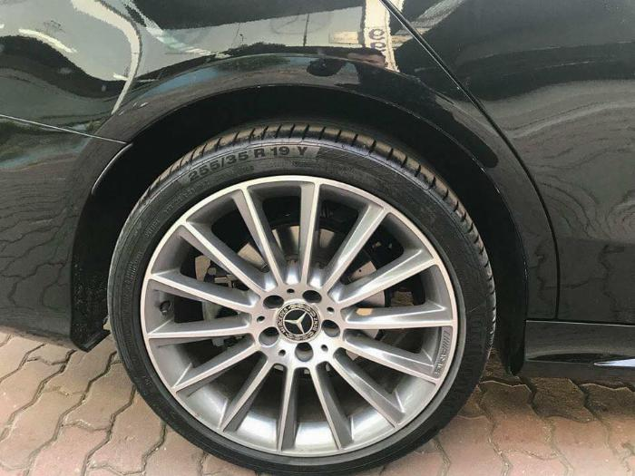 bán xe Mercedes C300 amg 2018 số tự động màu đen rất mới