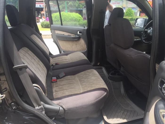 Cần tiền bán Ford Everest sx 2007, màu đen than, số sàn, máy dầu 8