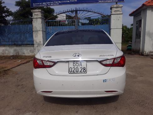 Bán Hyundai Sonata 2.0AT màu trắng số tự động nhập Hàn Quốc 2011 biển tỉnh đi 59000km 6