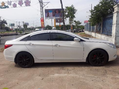 Bán Hyundai Sonata 2.0AT màu trắng số tự động nhập Hàn Quốc 2011 biển tỉnh đi 59000km 3