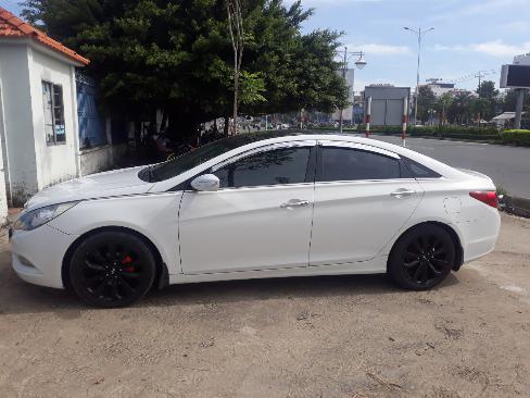 Bán Hyundai Sonata 2.0AT màu trắng số tự động nhập Hàn Quốc 2011 biển tỉnh đi 59000km 4