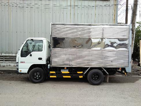 Xe tải isuzu 2T4 thùng kín, Bán giá cạnh tranh , kèm nhiều quà tặng hấp dẫn