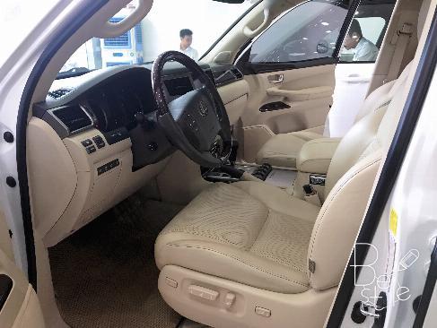 Bán Lexus LX570 sản xuất 2013,đăng ký 2014 màu trắng, nội thất kem, 6