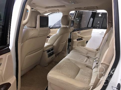 Bán Lexus LX570 sản xuất 2013,đăng ký 2014 màu trắng, nội thất kem, 7