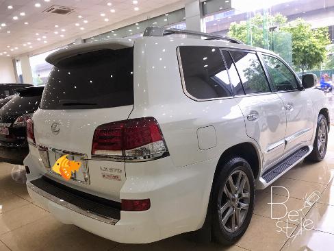 Bán Lexus LX570 sản xuất 2013,đăng ký 2014 màu trắng, nội thất kem, 4
