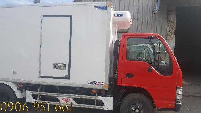 Giá bán xe tải Isuzu QKH 270 thùng Đông Lạnh trả góp lãi suất thấp