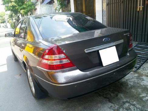 Gia đình cần bán Ford Mondeo 2005 at Full option, màu xám gia đình sử dụng rất kỷ,