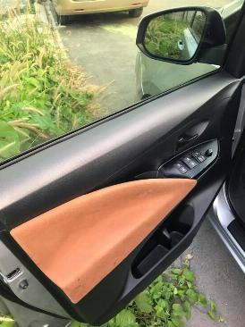 Cần bán xe Toyota Innova E 2017 số sàn màu xám 0