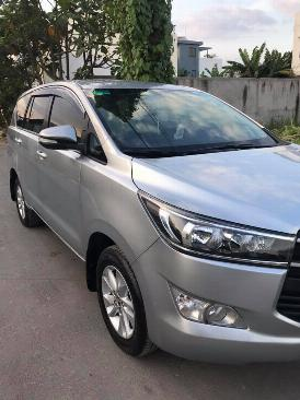 Cần bán xe Toyota Innova E 2017 số sàn màu xám 1