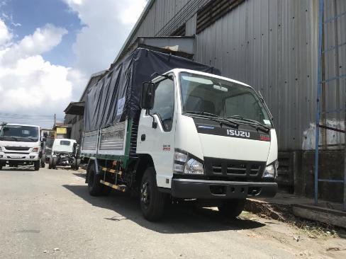 Xe tải Isuzu thùng Bath, Xe bán trả góp giá cạnh tranh, thủ tục đơn giản