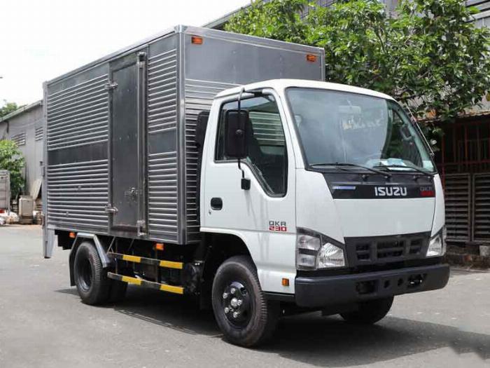 Xe tải Isuzu thùng kín, bán xe trả góp , thủ tục đơn giản