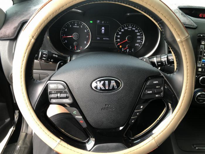 Bán Kia Cerato 1.6AT màu đen VIP số tự động sản xuất 2017 đi 30.000km 1
