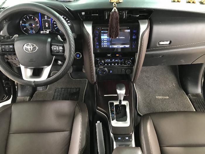 Bán Toyota Fortuner 2.8V 2 cầu số tự động máy dầu nhập khẩu INDONESIA T5/2019 màu đen VIP đi 8000km 1