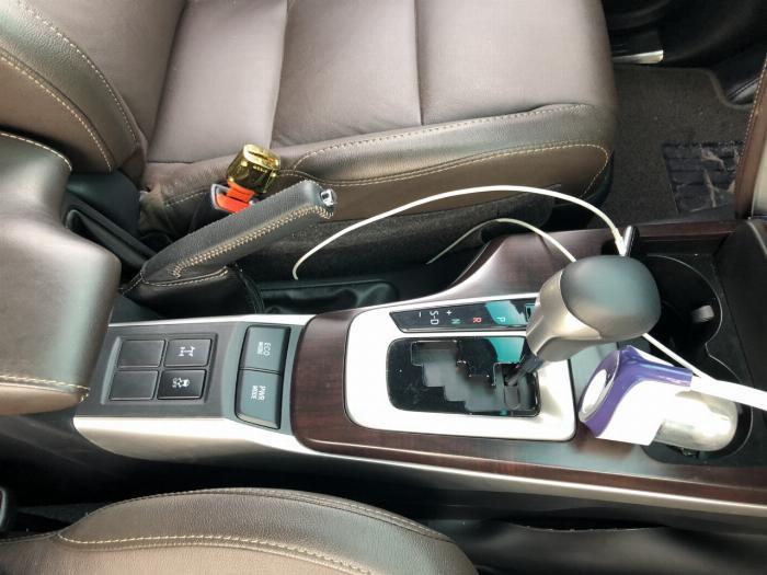 Bán Toyota Fortuner 2.8V 2 cầu số tự động máy dầu nhập khẩu INDONESIA T5/2019 màu đen VIP đi 8000km 2