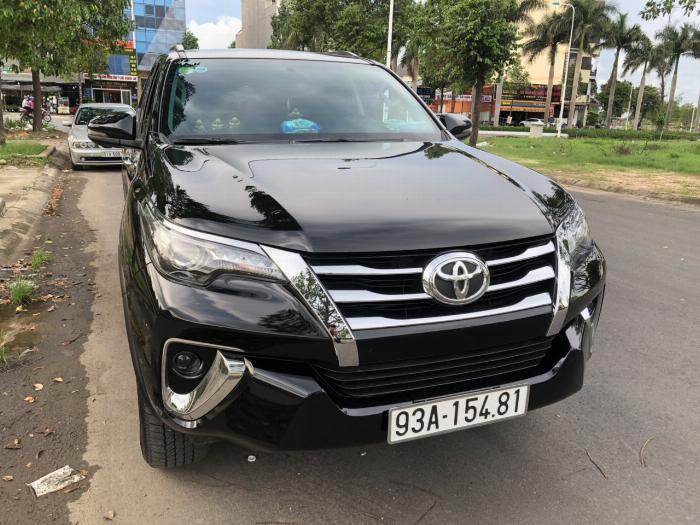 Bán Toyota Fortuner 2.8V 2 cầu số tự động máy dầu nhập khẩu INDONESIA T5/2019 màu đen VIP đi 8000km 3