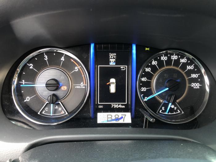 Bán Toyota Fortuner 2.8V 2 cầu số tự động máy dầu nhập khẩu INDONESIA T5/2019 màu đen VIP đi 8000km 18