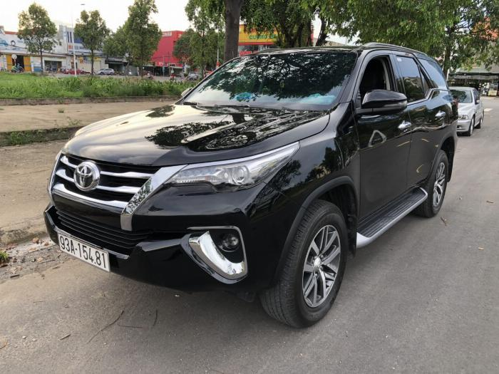 Bán Toyota Fortuner 2.8V 2 cầu số tự động máy dầu nhập khẩu INDONESIA T5/2019 màu đen VIP đi 8000km 4