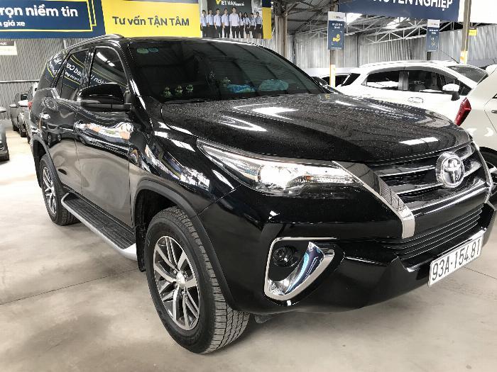 Bán Toyota Fortuner 2.8V 2 cầu số tự động máy dầu nhập khẩu INDONESIA T5/2019 màu đen VIP đi 8000km 6