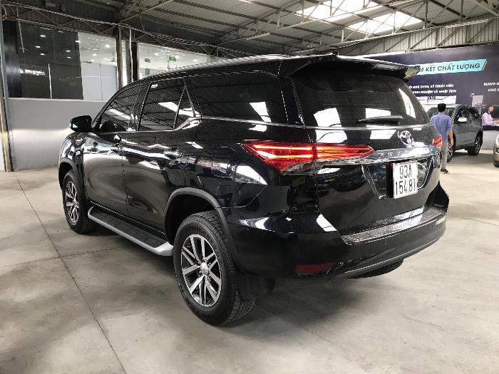 Bán Toyota Fortuner 2.8V 2 cầu số tự động máy dầu nhập khẩu INDONESIA T5/2019 màu đen VIP đi 8000km 21