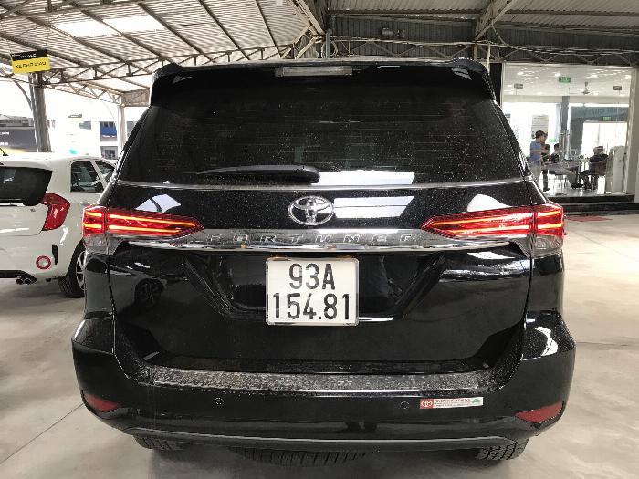 Bán Toyota Fortuner 2.8V 2 cầu số tự động máy dầu nhập khẩu INDONESIA T5/2019 màu đen VIP đi 8000km 22