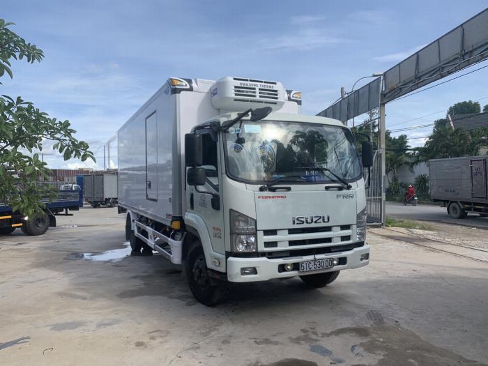 Xe tải ISUZU FRR thùng Đông Lạnh tải 6 tấn - Trả Góp
