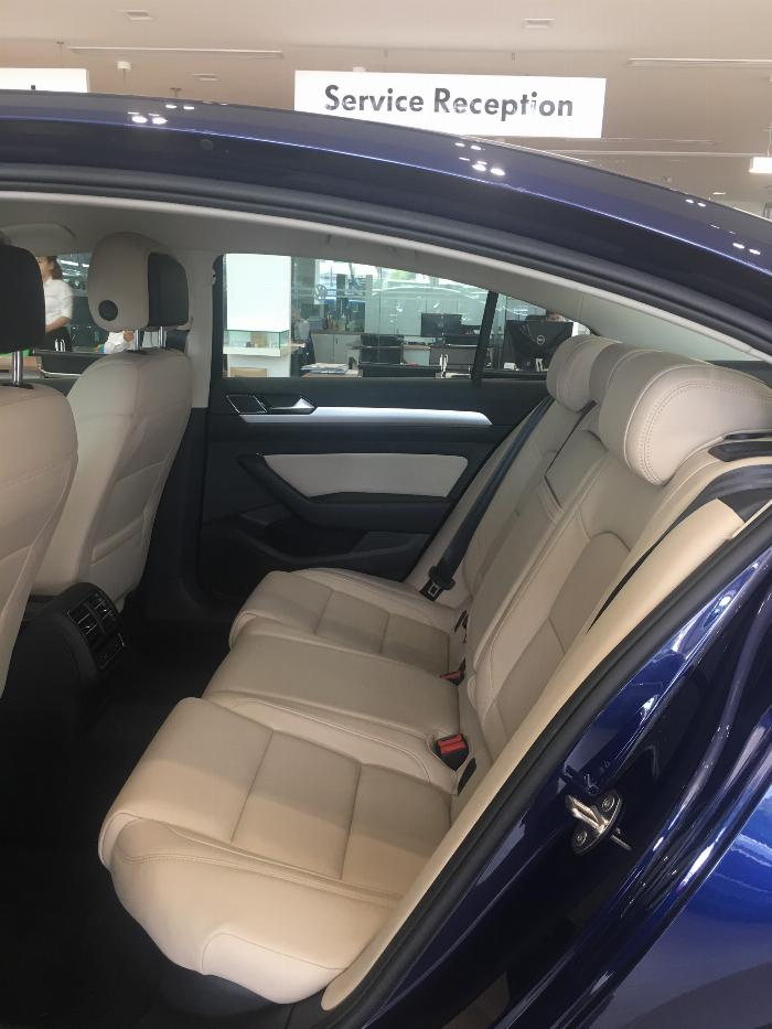 Bán xe Volkswagen Passat Bluemotion 2019, nhập Đức, giá tốt