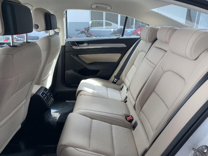 Bán xe Volkswagen Passat Bluemotion, xe nhập Đức, giá tốt