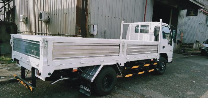 Xe tải isuzu 2t5 thùng lững qkr230 năm 2019