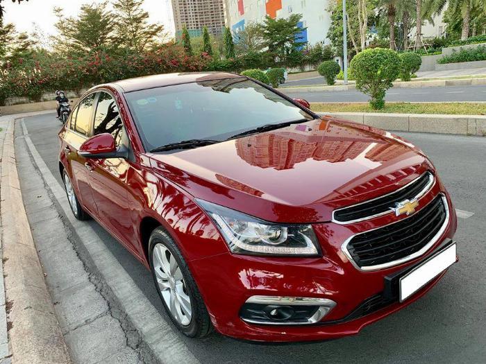 bán xe Chevrolet Cruze 2017 Ltz số tự động màu đỏ, đồng hồ 39.000 Km