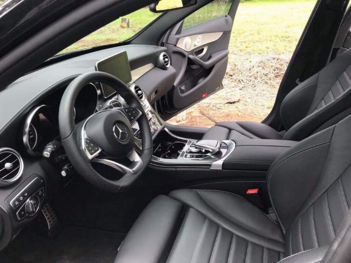 Gia đình cần bán C300 AMG , sản xuất 2018, bản full, màu đen cực ngầu 7