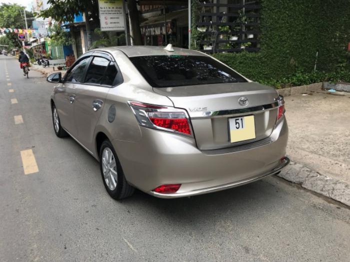 Cần bán xe Toyota Vios 2017 màu nâu vàng số tự động, odo 33 ngàn km 2