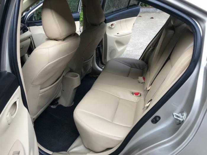 Cần bán xe Toyota Vios 2017 màu nâu vàng số tự động, odo 33 ngàn km 0