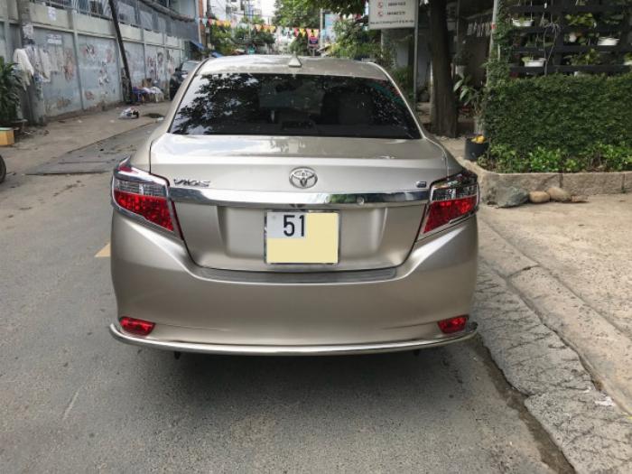 Cần bán xe Toyota Vios 2017 màu nâu vàng số tự động, odo 33 ngàn km 1