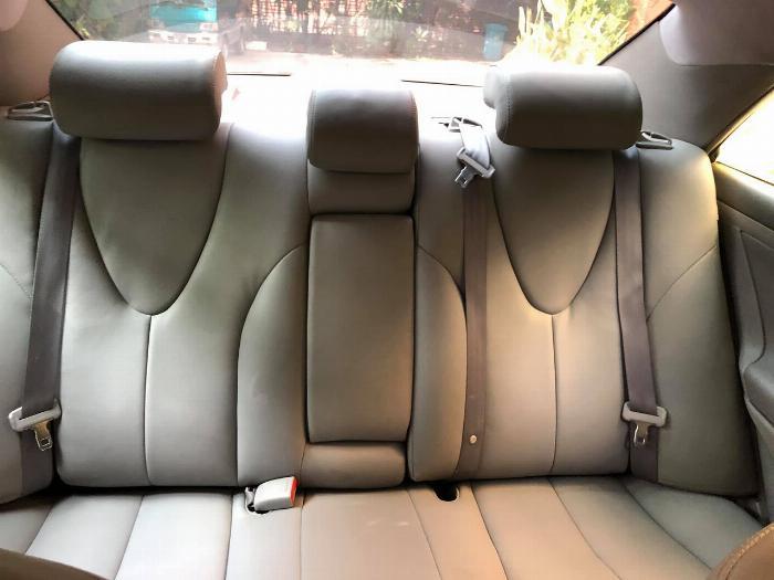 Cần bán xe Toyota Camry 2007 số tự động màu bạc nhập Mỹ 1