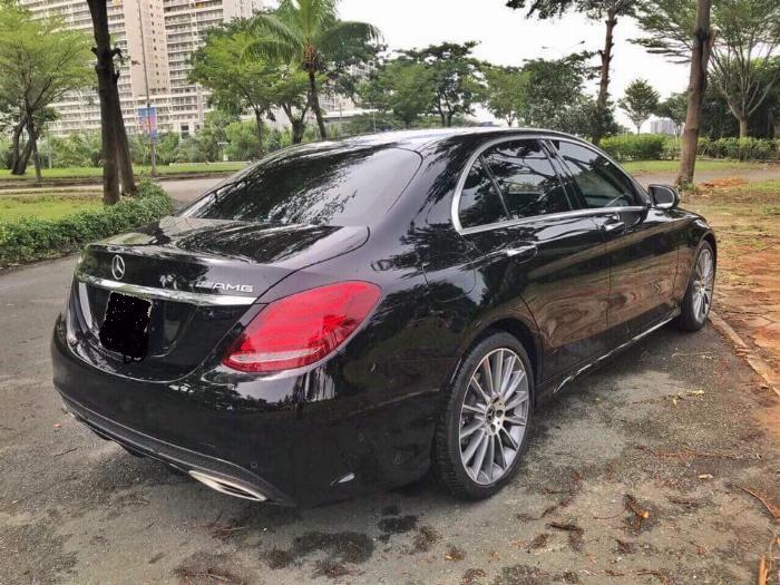 Gia đình cần bán C300 AMG , sản xuất 2018, bản full, màu đen cực ngầu 3