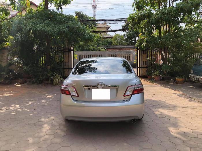Cần bán xe Toyota Camry 2007 số tự động màu bạc nhập Mỹ 2