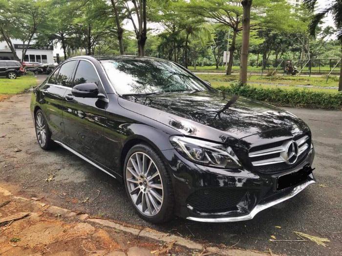 Gia đình cần bán C300 AMG , sản xuất 2018, bản full, màu đen cực ngầu 4