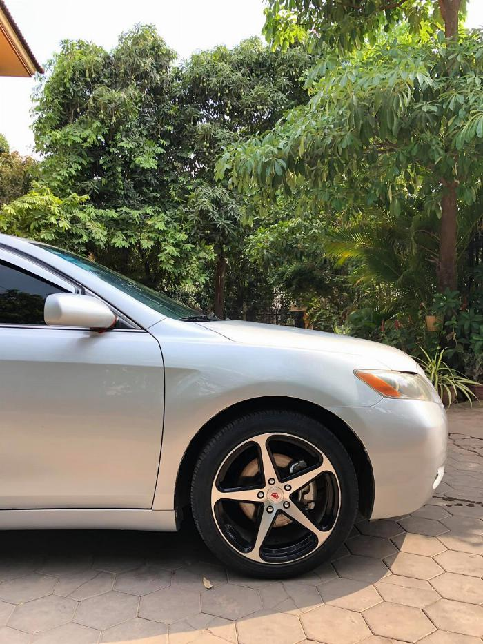 Cần bán xe Toyota Camry 2007 số tự động màu bạc nhập Mỹ 4