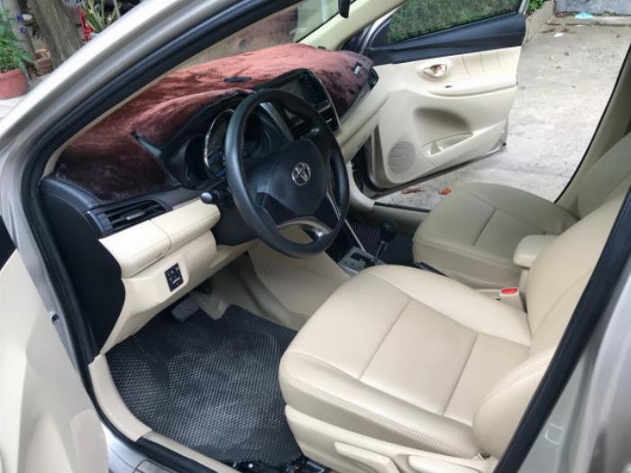 Cần bán xe Toyota Vios 2017 màu nâu vàng số tự động, odo 33 ngàn km 6