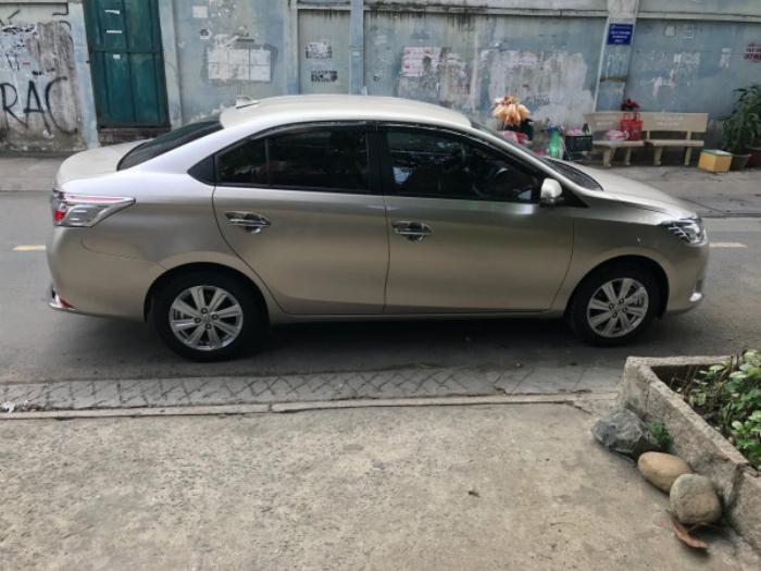 Cần bán xe Toyota Vios 2017 màu nâu vàng số tự động, odo 33 ngàn km 8