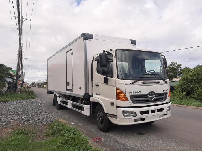 Xe tải HINO FC 2019 thùng Đông Lạnh Bình Thắng tải 6 tấn - Trả Góp 4