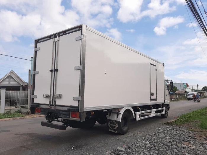 Xe tải HINO FC 2019 thùng Đông Lạnh Bình Thắng tải 6 tấn - Trả Góp 2