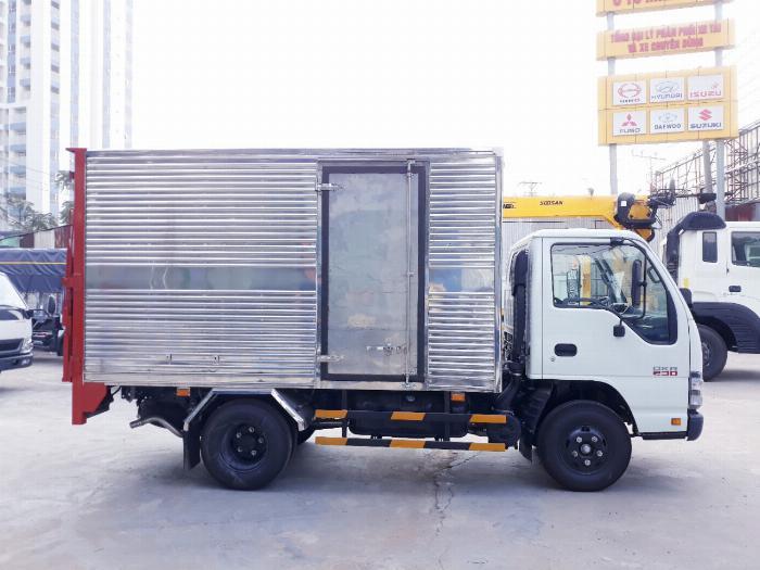 Xe tải ISUZU 2018 tải 1.9 tấn thùng kín bửng nâng Giao xe ngay khi thanh toán 20% 2