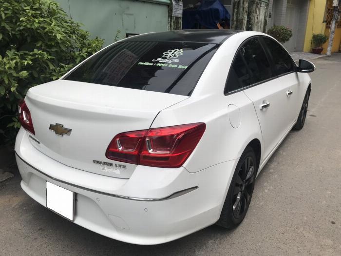 Cần bán xe Chevrolet Cruze 2017 Ltz tự động màu trắng 1