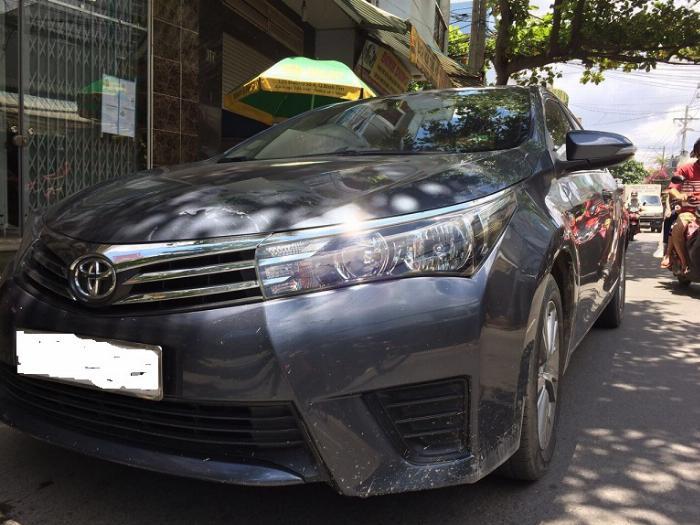 Cần bán xe Altis 2015, số sàn, máy xăng, màu xanh nhà dùng kỷ còn mới tinh 2